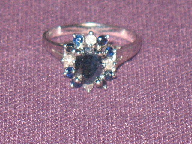 14K White Gold Blue Oval Sapphire Diamond Ring size 6